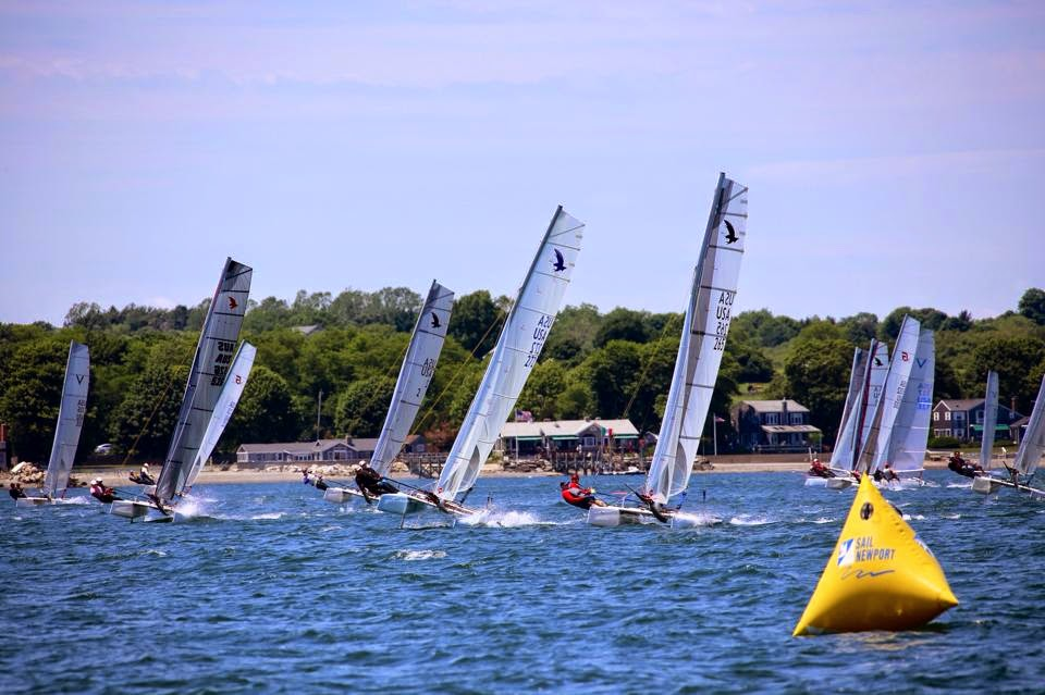 Fleet approaching the top mark